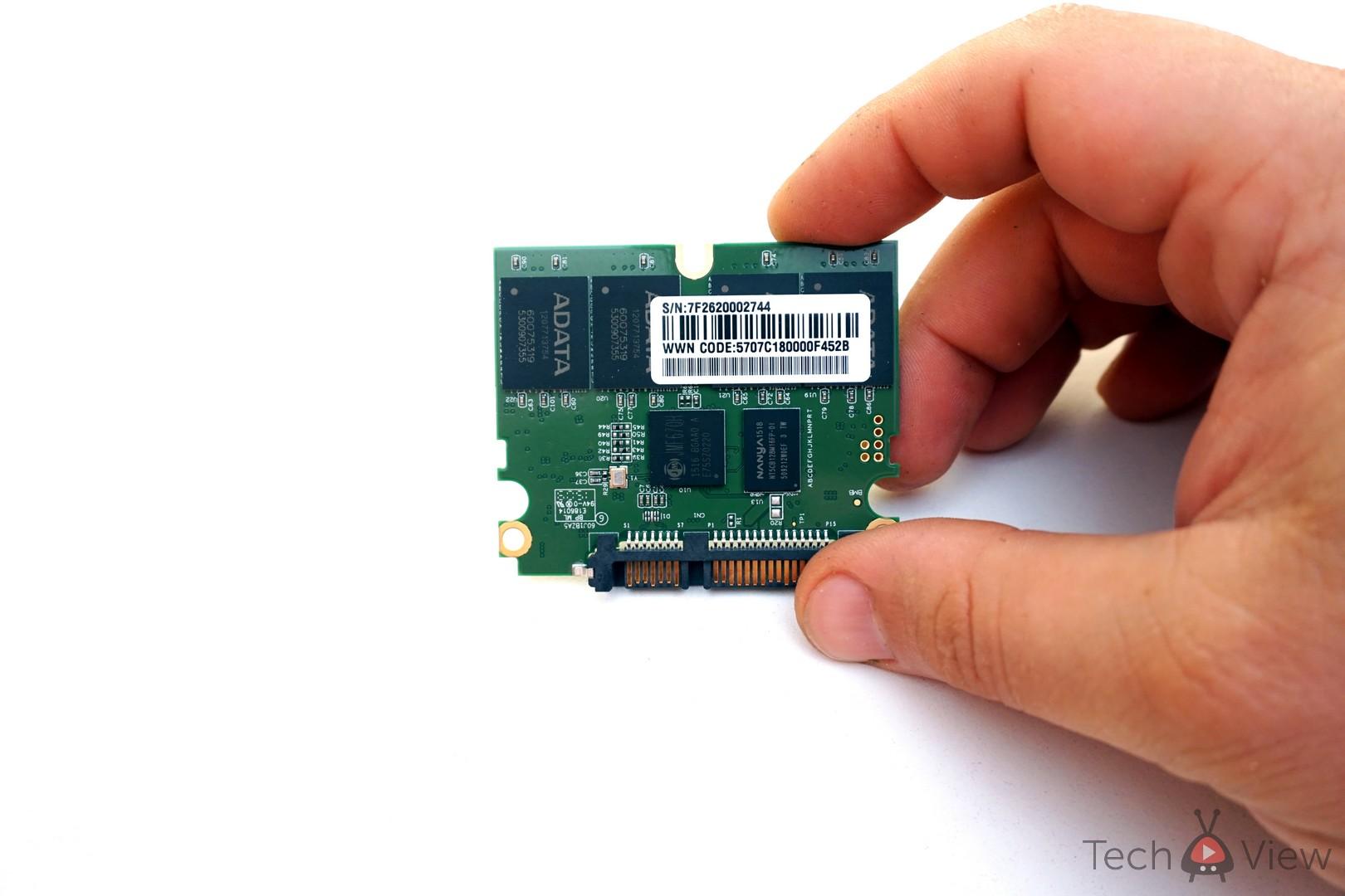ADATA SX930 240 GB SSD - Dezasamblare (2)