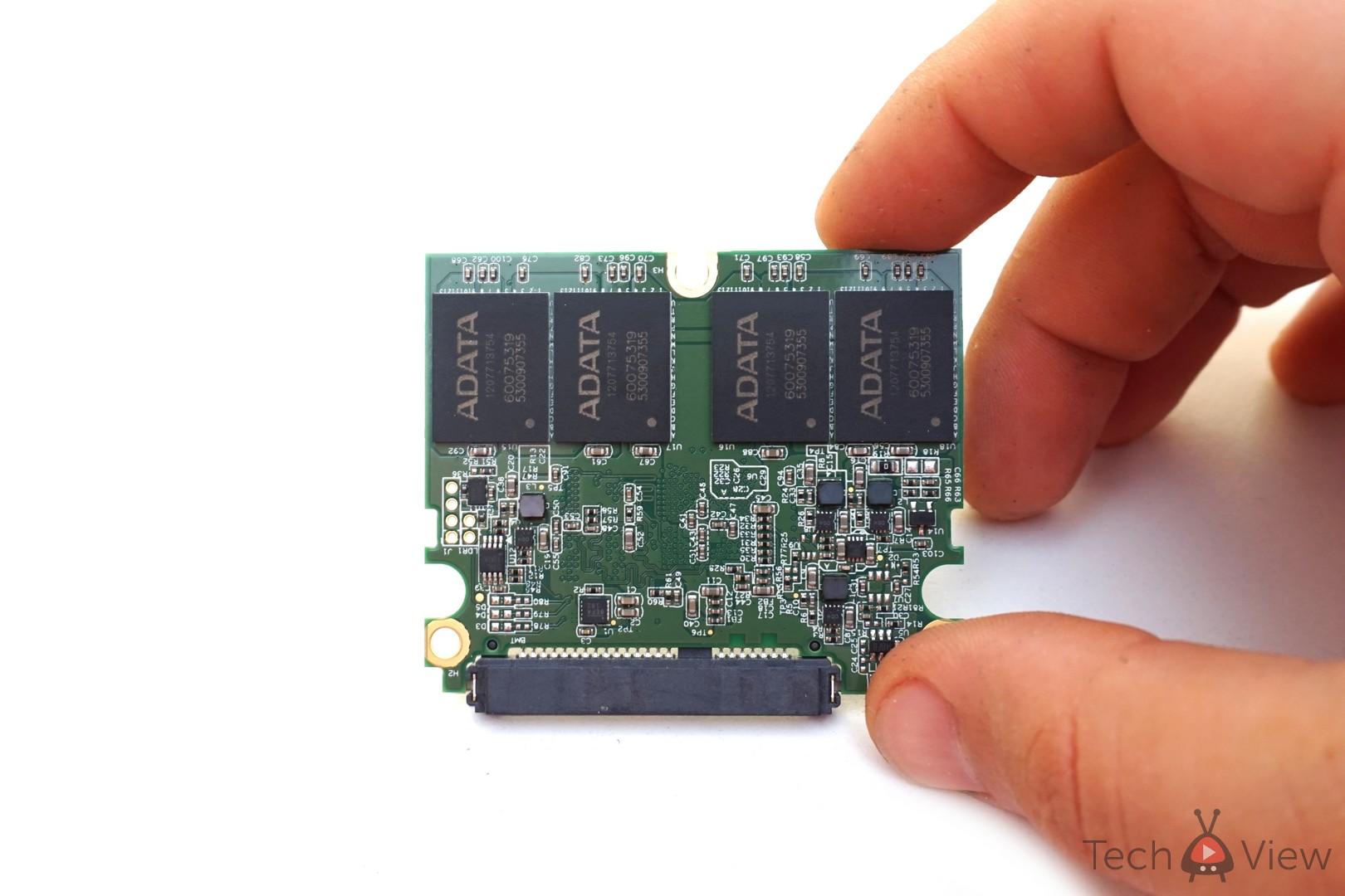 ADATA SX930 240 GB SSD - Dezasamblare (3)